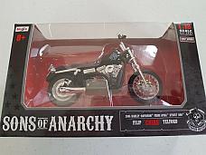 Maisto 1:18 scale Sons of Anarchy Harley Davidson 2006 FXDB1 Dyna Street Bob