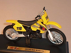 MAISTO SUZUKI RM250 1 18 HIGHLY DETAILED MODEL